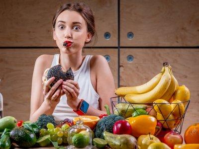 О явлениях, обусловленных тем, что едят и пьют (Авиценна)