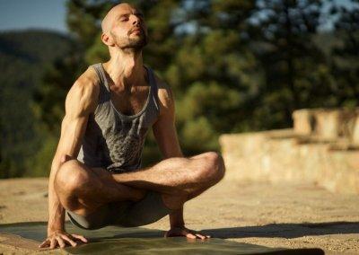 Как с помощью йоги разрушить ваше тело